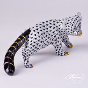 "Bear - Red Panda 15637-0-00 VHNM Black Fish scale decor. Herend fine china animal figurine. Hand painted. Length: 17.0 cm (6.75""L)"