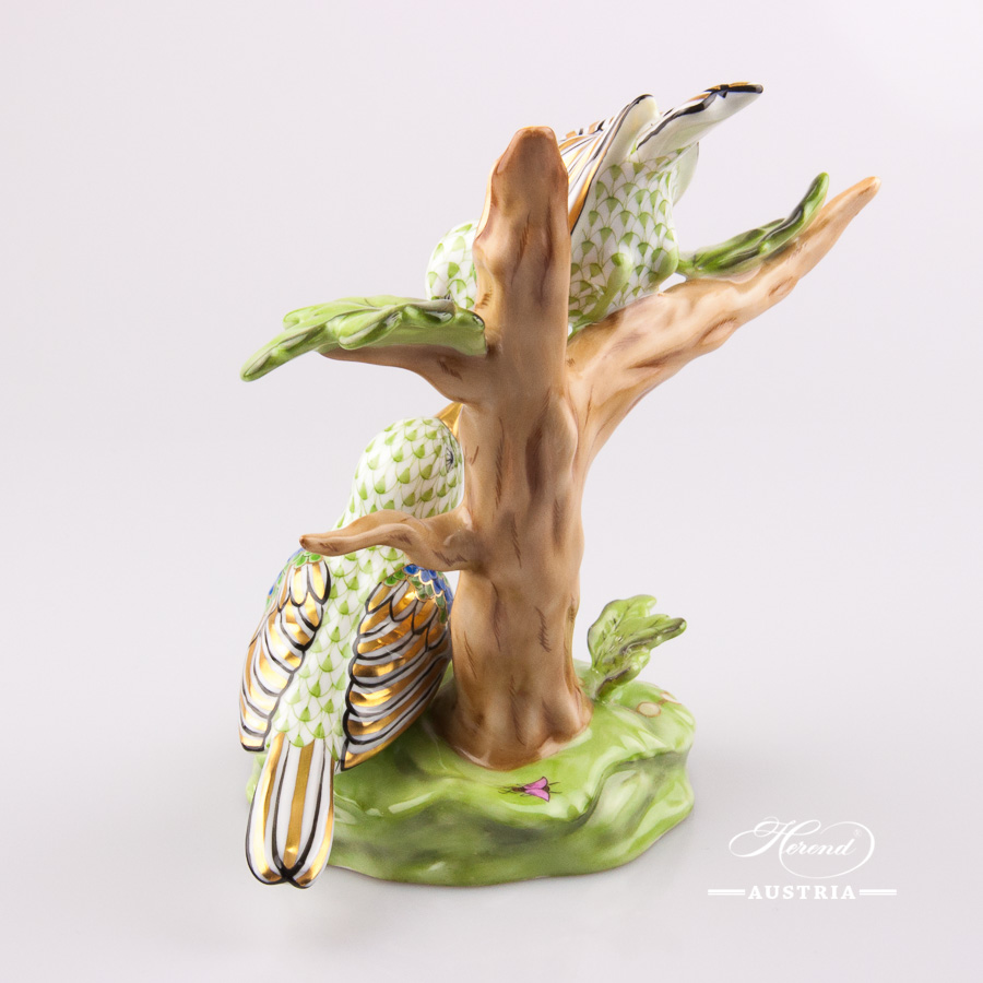 """Birds on Tree 15085-0-00 VHSP12 Green Special fish scale decor. Herend fine china animal figurine. Hand painted. Height: 16.5 cm (6.5""""H)"""
