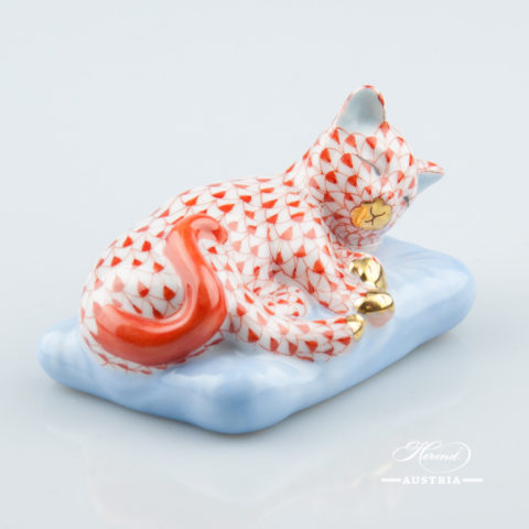 "Cat on Pillow 15709-0-00 VHR Red Fish Scale decor. Herend Fine china animal figurine. Hand painted. Length: 8.0 cm (3.25""L)"