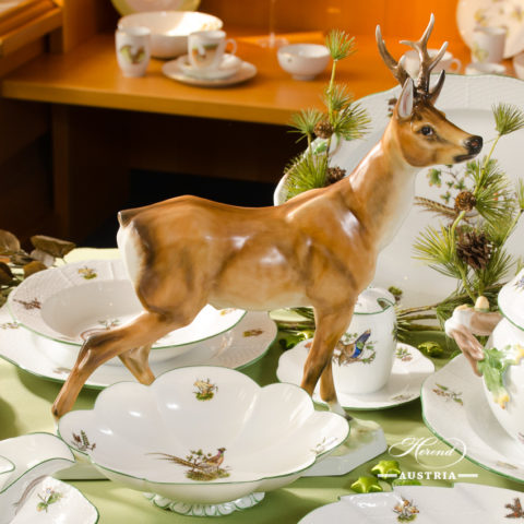 Herend Roe Buck with hunting trophies dinner set
