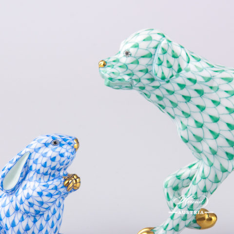 """Dog - Labrador 15684-0-00 VHV Green Fish Scale decor. Herend Fine china animal figurine. Hand painted. Length: 14.0 cm (5.5""""L)"""