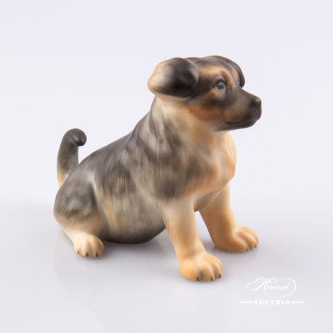 """Dog - Puppy 15831-0-00 MCD Naturalistic decor. Herend Fine china animal figurine. Hand painted. Length: 10.0 cm (4""""L)"""