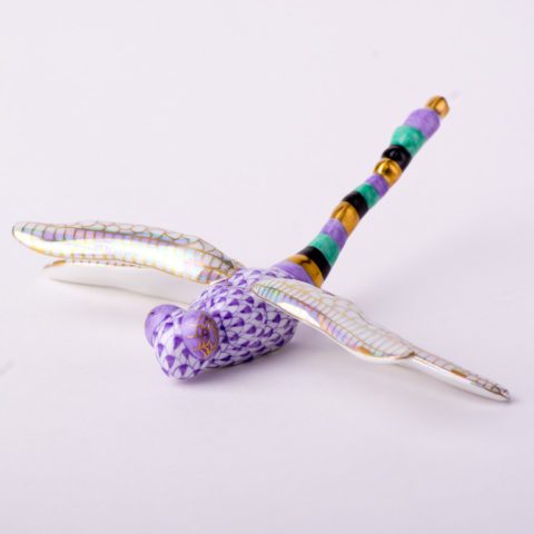 "Dragonfly 15918-0-00 VHL Lilac Fish scale design. Herend Fine china animal figurine. Hand painted. Length: 9 cm (3.5""L)."
