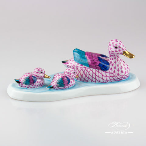 Ducks 15916-0-00 VHP Pink - Herend Animal Figurine
