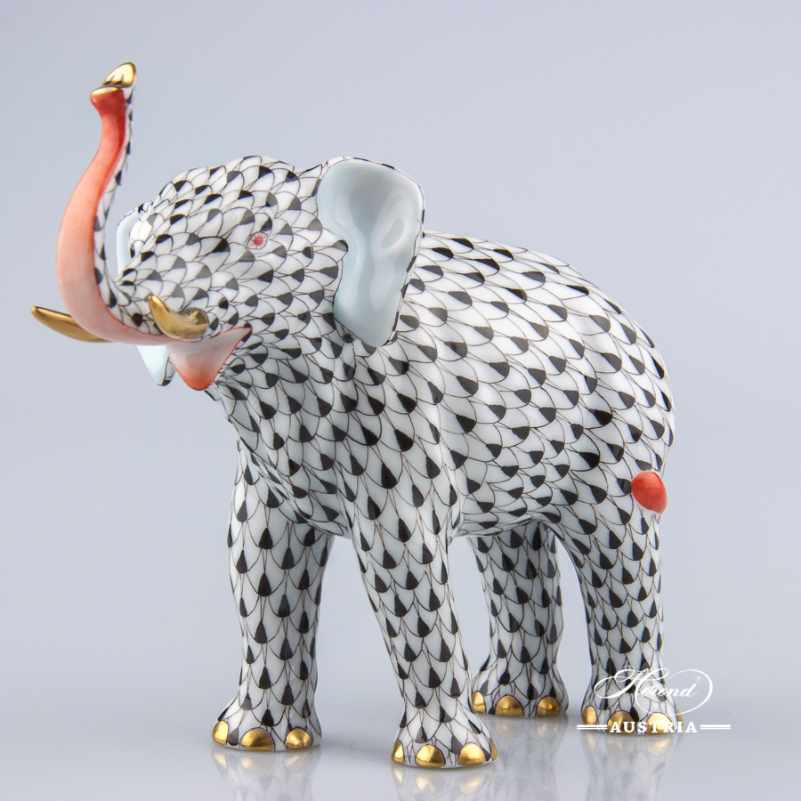"Elephant 15920-0-00 VHN Black Fish scale decor. Herend fine china animal figurine. Hand painted. Length: 15.0 cm (6""L)"
