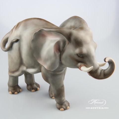 "Big Elephant 5214-0-00 MCD Naturalistic decor. Herend Fine china animal figurine. Hand painted. Height: 24.7 cm (9.75""H) Length: 34.2 cm (13.5""L)"
