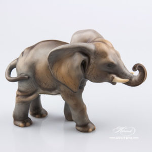 "Elephant 15086-0-00 MCD Naturalistic decor. Herend fine china animal figurine. Hand painted. Length: 16.0 cm (6.25""L)"