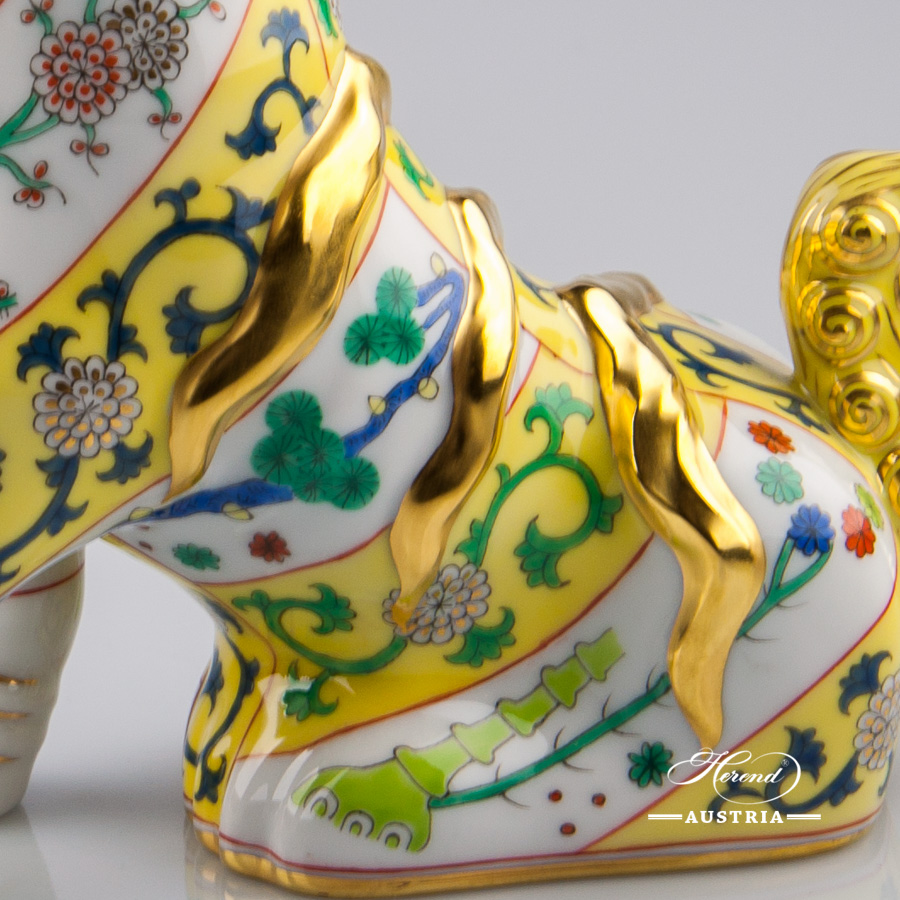 """Fo Dog 15296-0-00 SJ-M - Siang Yellow Special decor. Herend fine china animal figurine. Hand painted. Height 15.0 cm (6""""H)"""
