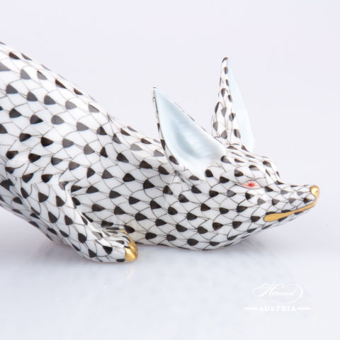 "Fox 15354-0-00 VHN Black Fish scale decor. Herend fine china animal figurine. Hand painted. Length: 25.5 cm (10""L)"