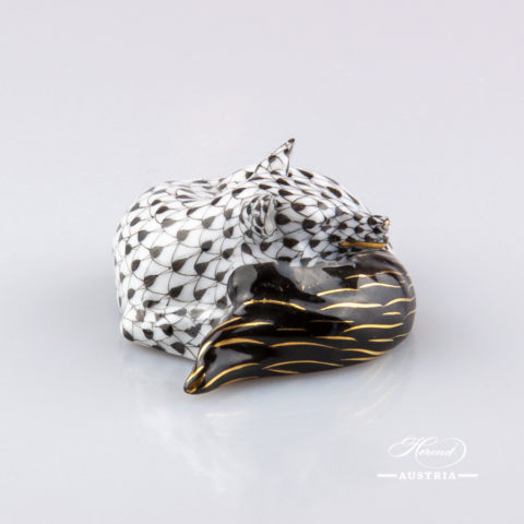 "Lying Fox 15609-0-00 VHNM Black Fish scale decor. Herend fine china animal figurine. Hand painted. Length: 12.0 cm (4.75""L)"