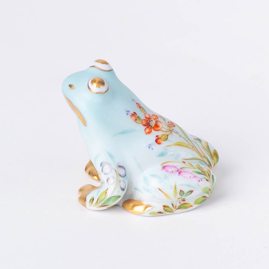 """Chicken 5023-0-00 VHJM Yellow and VHVM Green Fish scale new designs. Herend fine china animal figurine. Hand painted. Height 6 cm (2.25""""H)."""