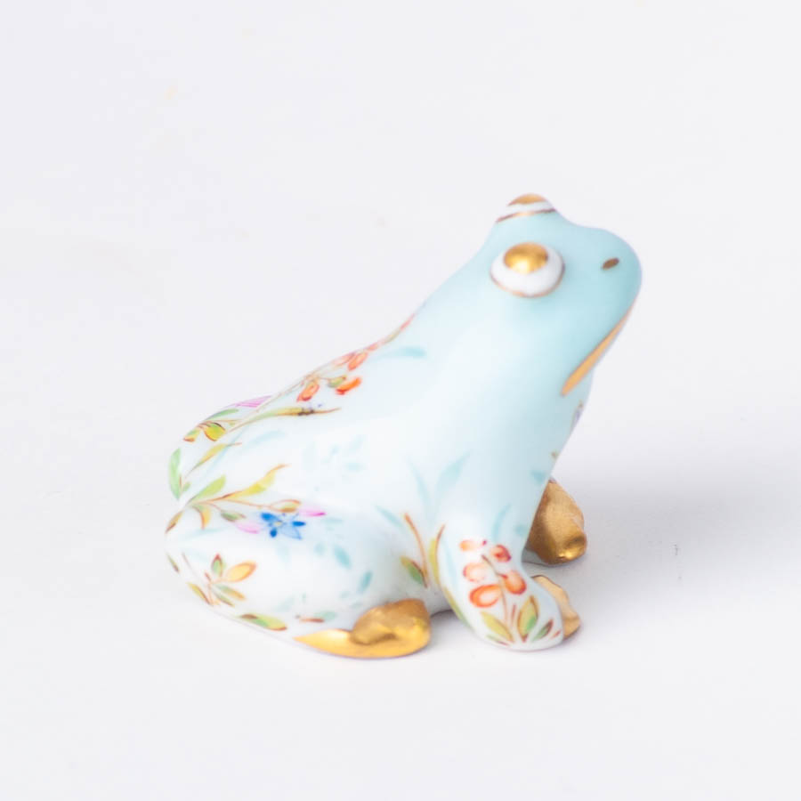 "Chicken 5023-0-00 VHJM Yellow and VHVM Green Fish scale new designs. Herend fine china animal figurine. Hand painted. Height 6 cm (2.25""H)."