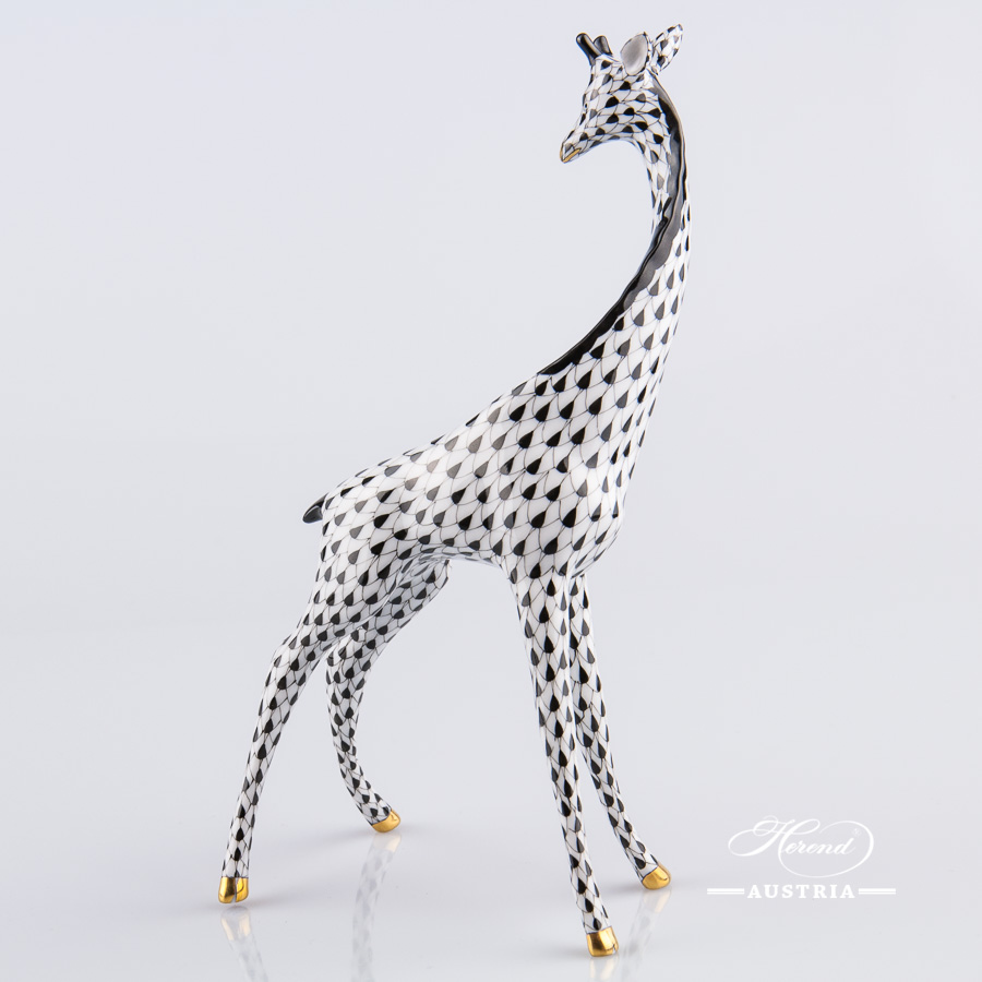 "Giraffe 15329-0-00 VHNM Black Fish Scale decor. Herend fine china animal figurine. Hand painted. Height 19.5 cm (7.75""H)"