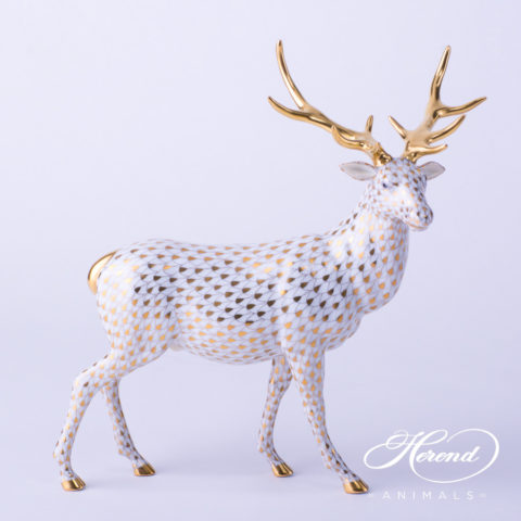 """Small Pig 5353-0-00 VHL-PT Lilac Fish scale w. Platinum decor. Herend Fine china animal figurine. Hand painted. Height: 4.0 cm (1.5""""L)"""