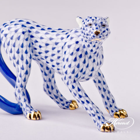 "Guepard 15655-0-0-00 VHFB Navy Blue fish scale decor. Herend Fine china animal figurine. Hand painted. Length: 14.0 cm (5.5""L) Height: 9.5 cm (3.7""H)"