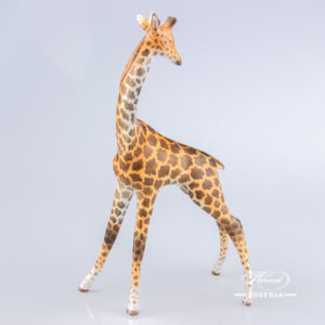 "Giraffe 15329-0-00 MCD Naturalistic decor. Herend fine china animal figurine. Hand painted. Height 19.5 cm (7.75""H)"