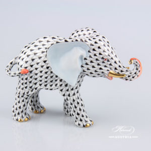 "Pig 15301-0-00 VHN Black Fish scale decor. Herend Fine china animal figurine. Hand painted. Length: 8.5 cm (3.5""L)"