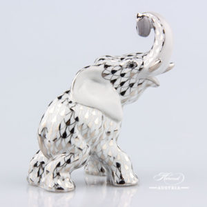 "Elephant 15266-0-00 A-OR White and Gold pattern. Herend fine china hand painted. Herend animal figurine. Height: 8.5 cm (3.5""H)"