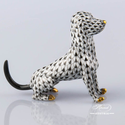"""Dog 15509-0-00 VHNM Black Fish Scale decor. Herend Fine china animal figurine. Hand painted. Length: 10.0 cm (4""""L)"""