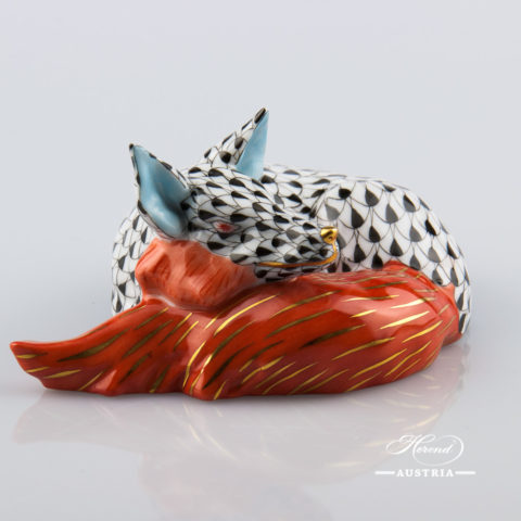 "Lying Fox 15609-0-00 VHN Black Fish scale decor. Herend fine china animal figurine. Hand painted. Length: 12.0 cm (4.75""L)"