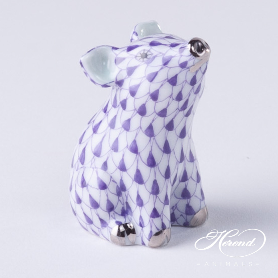 """Giraffe 15329-0-00 VHL Lilac Fish Scale decor. Herend fine china animal figurine. Hand painted. Height 19.5 cm (7.75""""H)"""