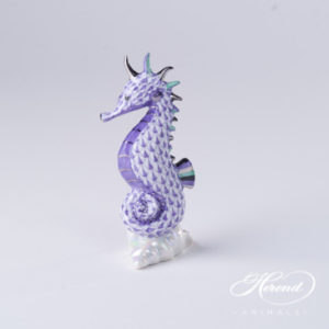 "Seahorse 15325-0-00 VHL-PT Lilac Fish scale with Platinum decor. Herend fine china animal figurine. Hand painted. Height 10.2 cm (4""H)"