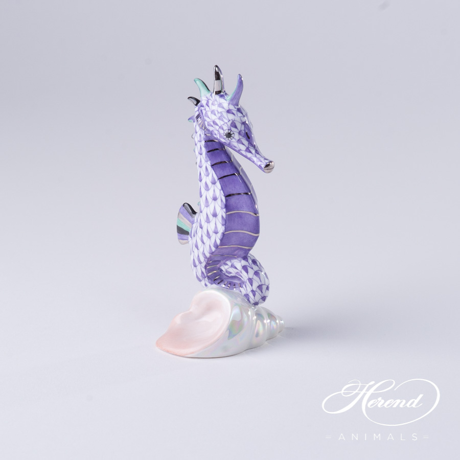 """Seahorse 15325-0-00 VHL-PT Lilac Fish scale with Platinum decor. Herend fine china animal figurine. Hand painted. Height 10.2 cm (4""""H)"""