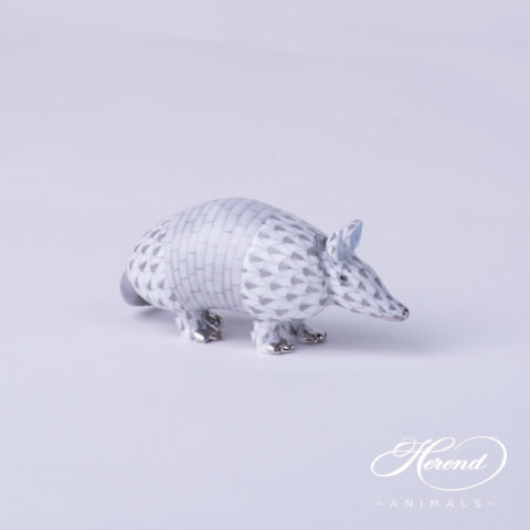 "Armadillo 5350-0-00 VHG-PT Gray fishnet with Platinum decor - Herend Fine china animal figurine. Hand painted. Length: 8.0 cm - (3.1""L)."