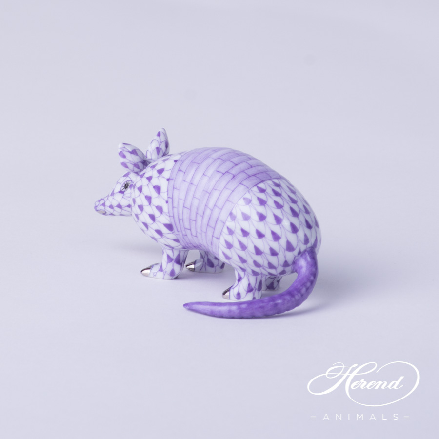 Armadillo 5350-0-00 VHL-PT Lilac fishnet decor - Herend Fine china animal figurine. Hand painted. Length: 8.0 cm -