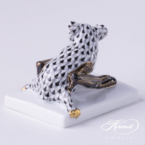 "Bat 5345-0-00 VHNMM Black Special fishnet decor - Herend fine china animal figurine. The wings of the Bat is black and decorated with gold. Height: 5.2 cm - (2""H)."