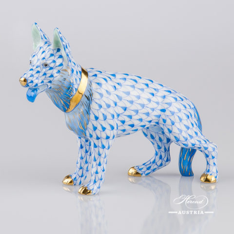 "Giraffe 15329-0-00 VHB Blue Fish Scale decor. Herend fine china animal figurine. Hand painted. Height 19.5 cm (7.75""H)"