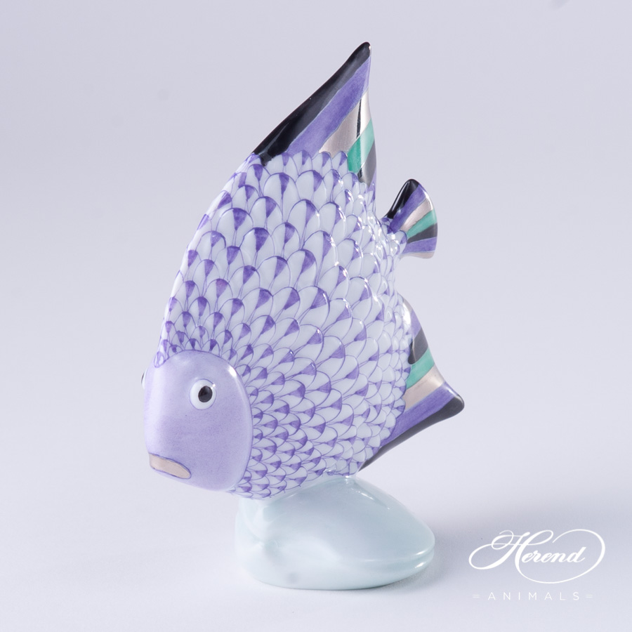 """Fish 15893-0-00 VHL-PT Lilac Fish scale w. Platinum decor. Herend Fine china animal figurine. Hand painted. Height: 10.5 cm (4""""H)"""
