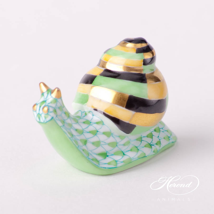 """Herend fine china animal figurine. Hand painted. Length: 4.6 cm (1.75""""L)."""