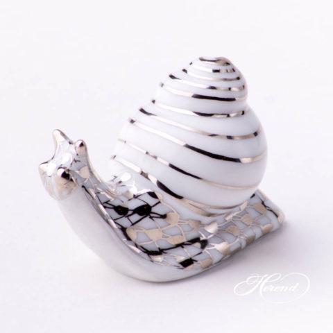 "Snail 15518-0-00 PTVH Platinum Fish Scale decor. Herend fine china animal figurine. Hand painted. Length: 4.6 cm (1.75""L)"