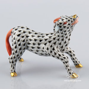 "Ox 15556-0-00 VHN Black Fish scale decor. Herend fine china animal figurine. Hand painted. Length: 8.5 cm (3.25""L)"