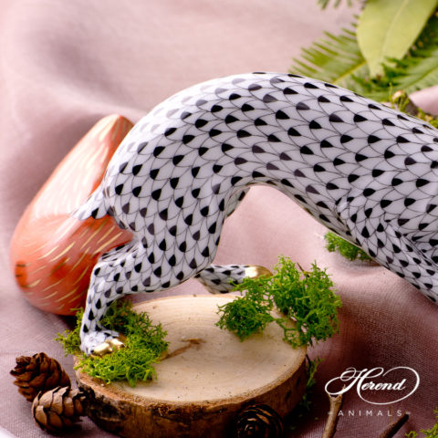 "Small Pig 5353-0-00 VHN Black Fish scale decor. Herend fine china animal figurine. Hand painted. Height: 4.0 cm (1.5""L)"