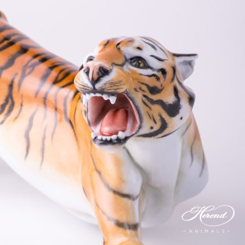 "Tiger Big 5209-0-00 C Naturalistic decor. Herend Fine china animal figurine. Hand painted. Length: 45.0 cm (18""L)"