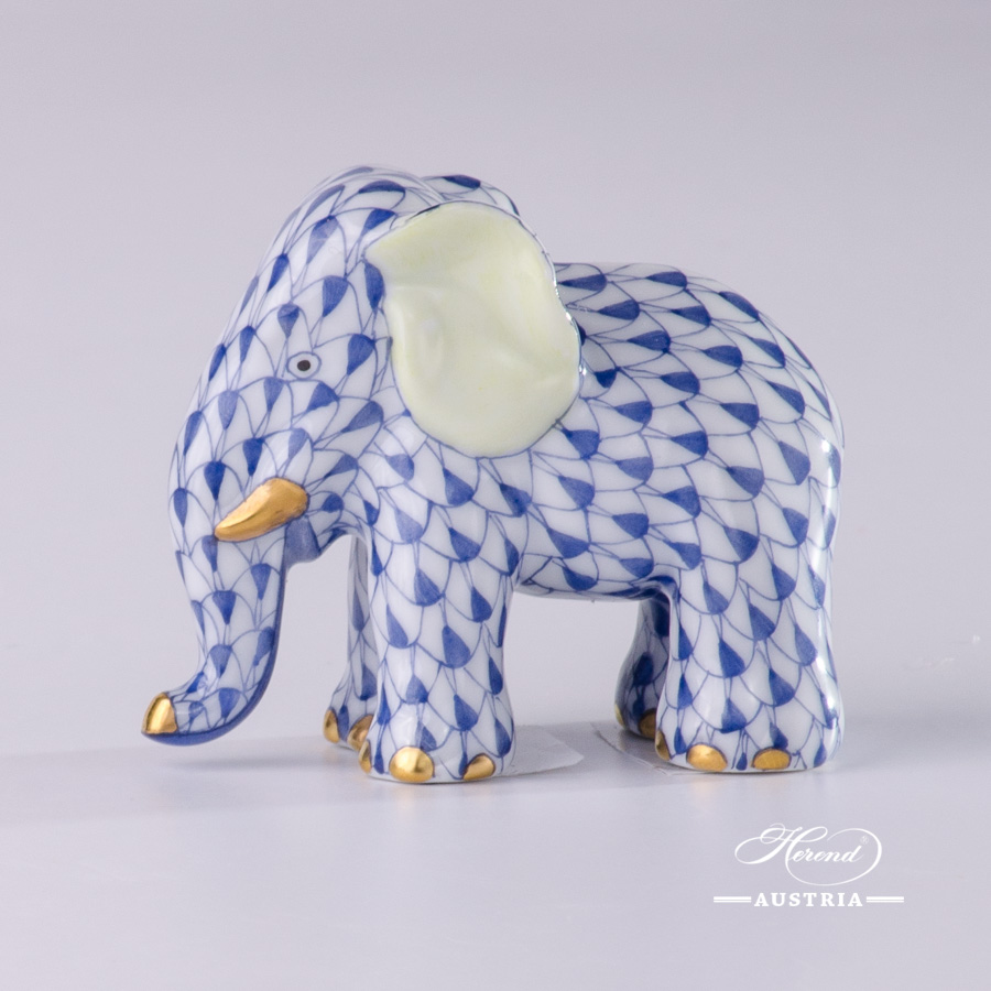 """Baby Elephant 15511-0-00 VHL Lilac Fish scale decor. Herend Fine china animal figurine. Hand painted. Height: 7.2 cm (2.75""""H)"""