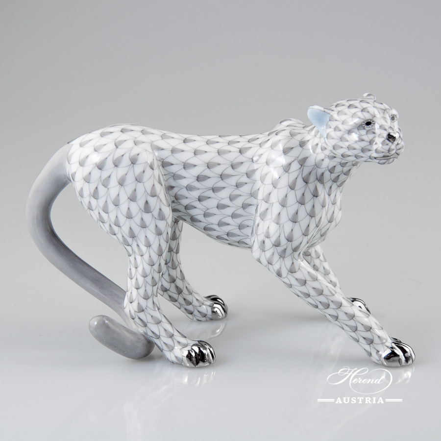 Guepard or Cheetah 15655-0-0-00 VHG-PT Grey Fish scale with Platinum design. Herend fine china
