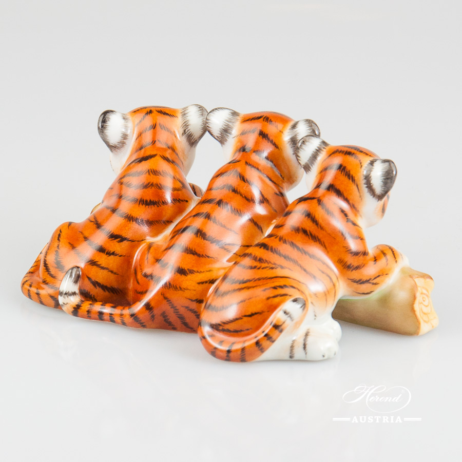 Tigers 15931-0-00 MCD Naturalistic decor. Herend Fine china animal figurine. Hand painted. Length 11.5 cm