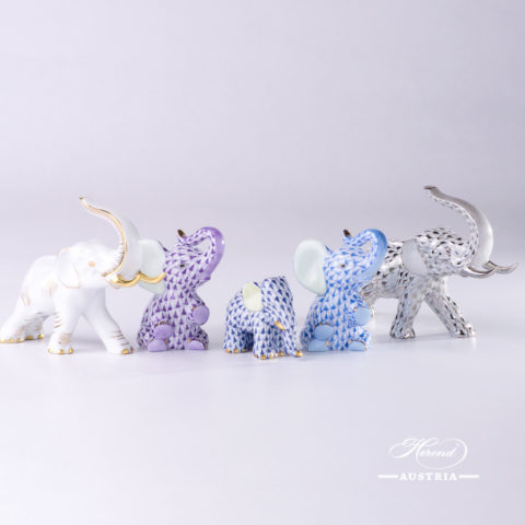 """Small Elephant 5265-0-00 VHFB Navy Blue Fish scale decor. Herend Fine china animal figurine. Hand painted. Height: 4.8 cm (2""""H)"""