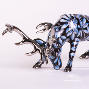 "Deer / Stag 15592-0-00 ZOBA-FN-PT Blue on Black w. Platinum design. Herend fine china animal figurine. Handpainted. Length: 20 cm (8""L)."