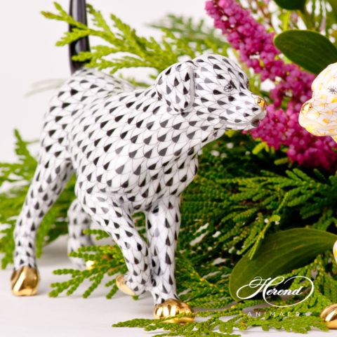 """Labradorfigurines 15684-0-00 VHNM Black and VHJ YellowFish scale designs.Herend fine china animal figurines. Hand painted. Length 14 cm (5.5""""L) and Height 11 cm (4.25""""H)."""