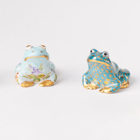 "Frog 15975-0-00 VHTQ-OR Gold Fish scale w. Turquoise design. Herend fine china animal figurine. Hand painted. Length 3.5 cm (1.5""L)."