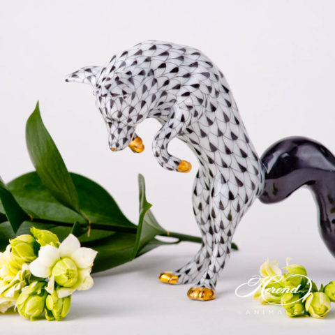 "Mouse 15521-0-00 VHNM Black Fish scale design. Herend fine china animal figurine. Hand painted. Height: 7.2 cm (2.75""H)."
