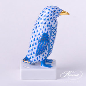 "Penguin 5176-0-00 VHBM Blue decor - Herend fine china animal figurine. The wings of the Penguin is blue and decorated with gold. Hand painted. Height: 10.8 cm - (4.3""H)."