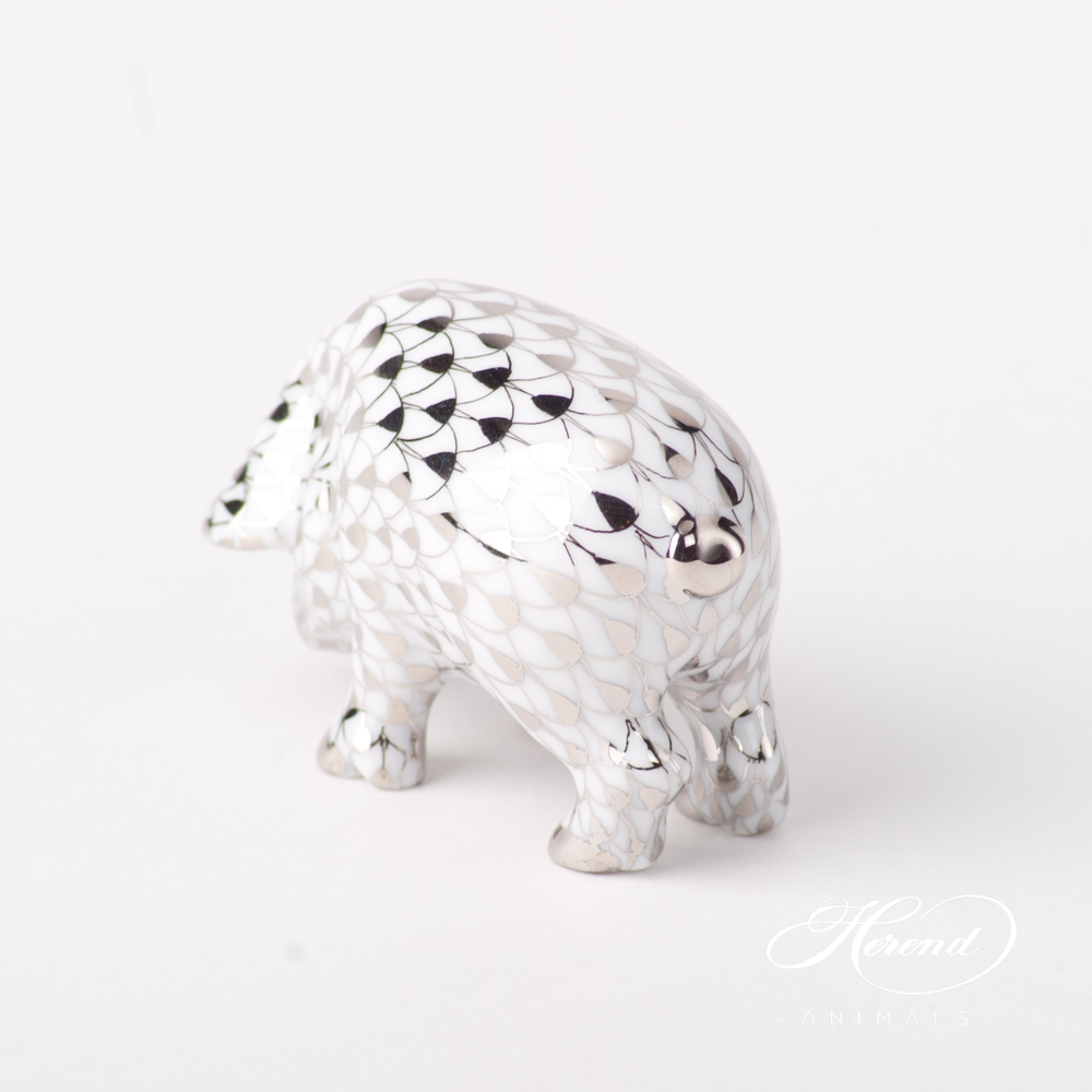 "Pig Small 5357-0-00 PTVH Platinum Fish scale special new design. Herend fine china animal figurine. Hand painted. Length: 6 cm (2.5""L)."