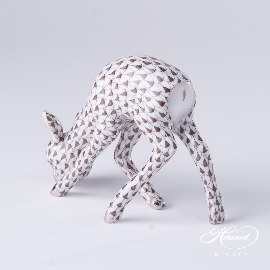 """Roe Bambi 15279-0-00 VHBR1-PT Brown fish scale with Platinum decor. Herend fine china animal figurine. Hand painted. Length: 10.0 cm (4""""L)"""