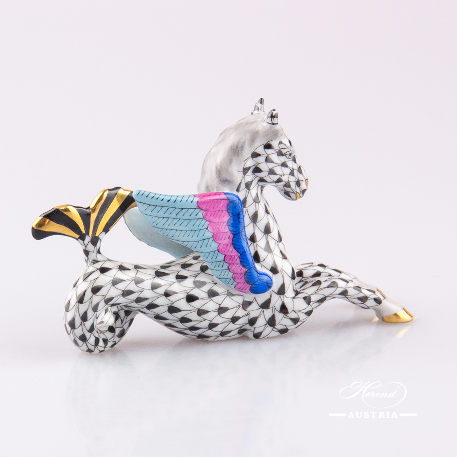 "Hippocamp 15392-0-00 VHNM Black Fish scale decor. Herend fine china animal figurine. Hand painted. Length 8.5 cm (3.5""L)"