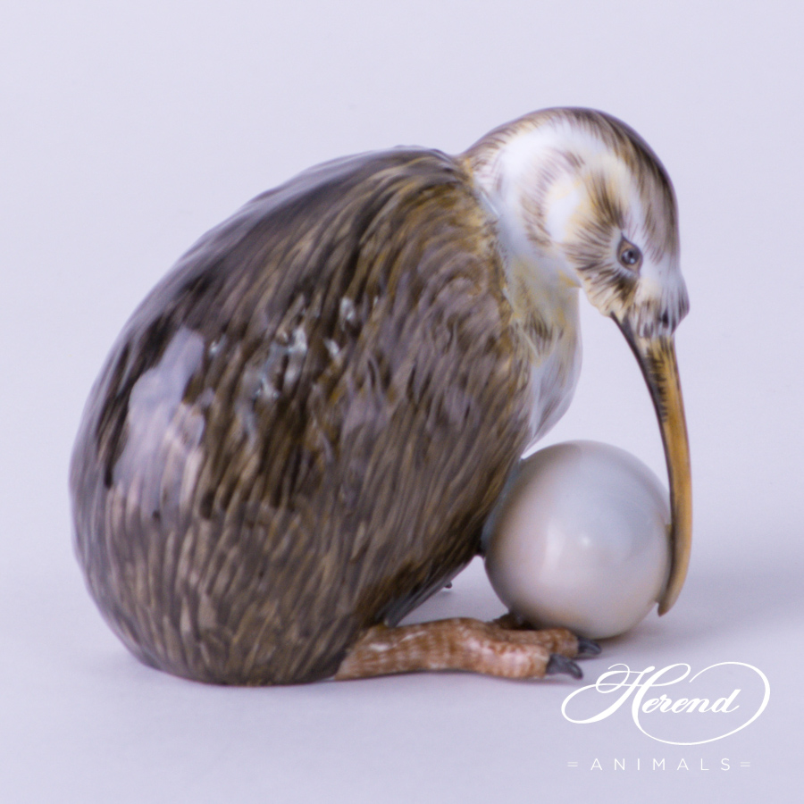 "Kiwi Bird w. Egg 15363-0-00 CD Naturalistic decor. Herend Fine china animal figurine. Hand painted. Height: 7.0 cm (2.75""H)"